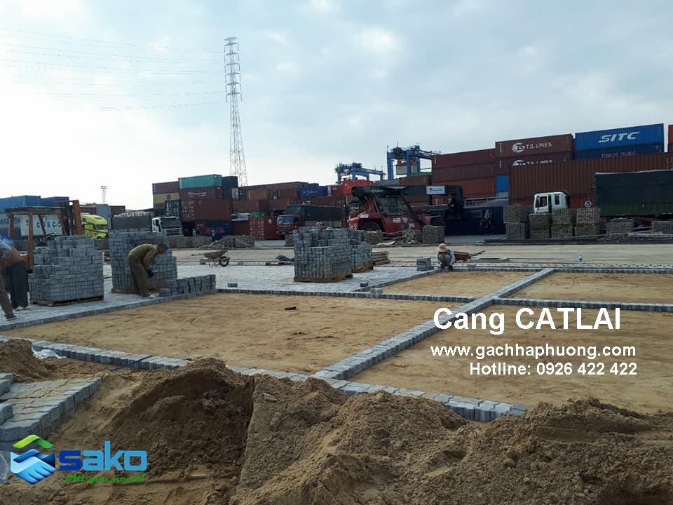 Gach sau cho cang Cat Lai